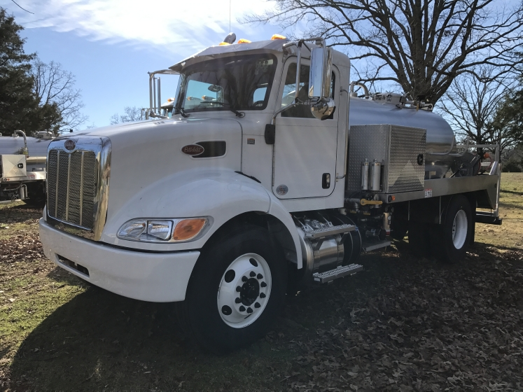 2017 PETERBILT 337 NON SLEEPER