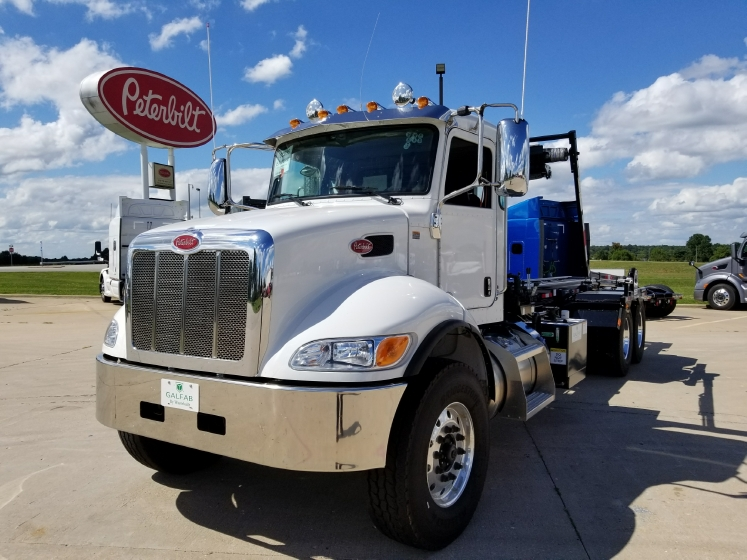 2018 PETERBILT 348 Non Sleeper