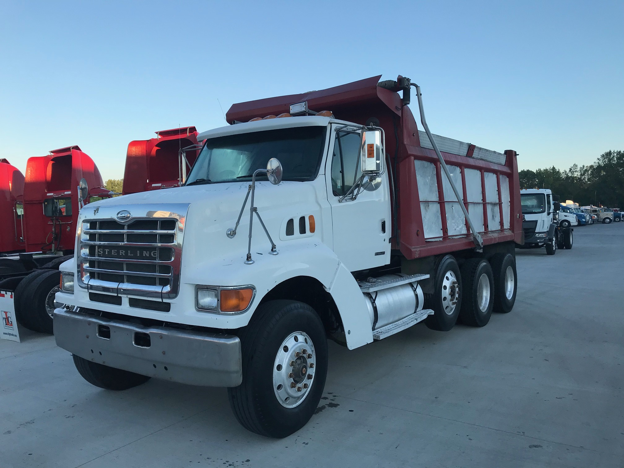 2001 STERLING L9500 SERIES NONE