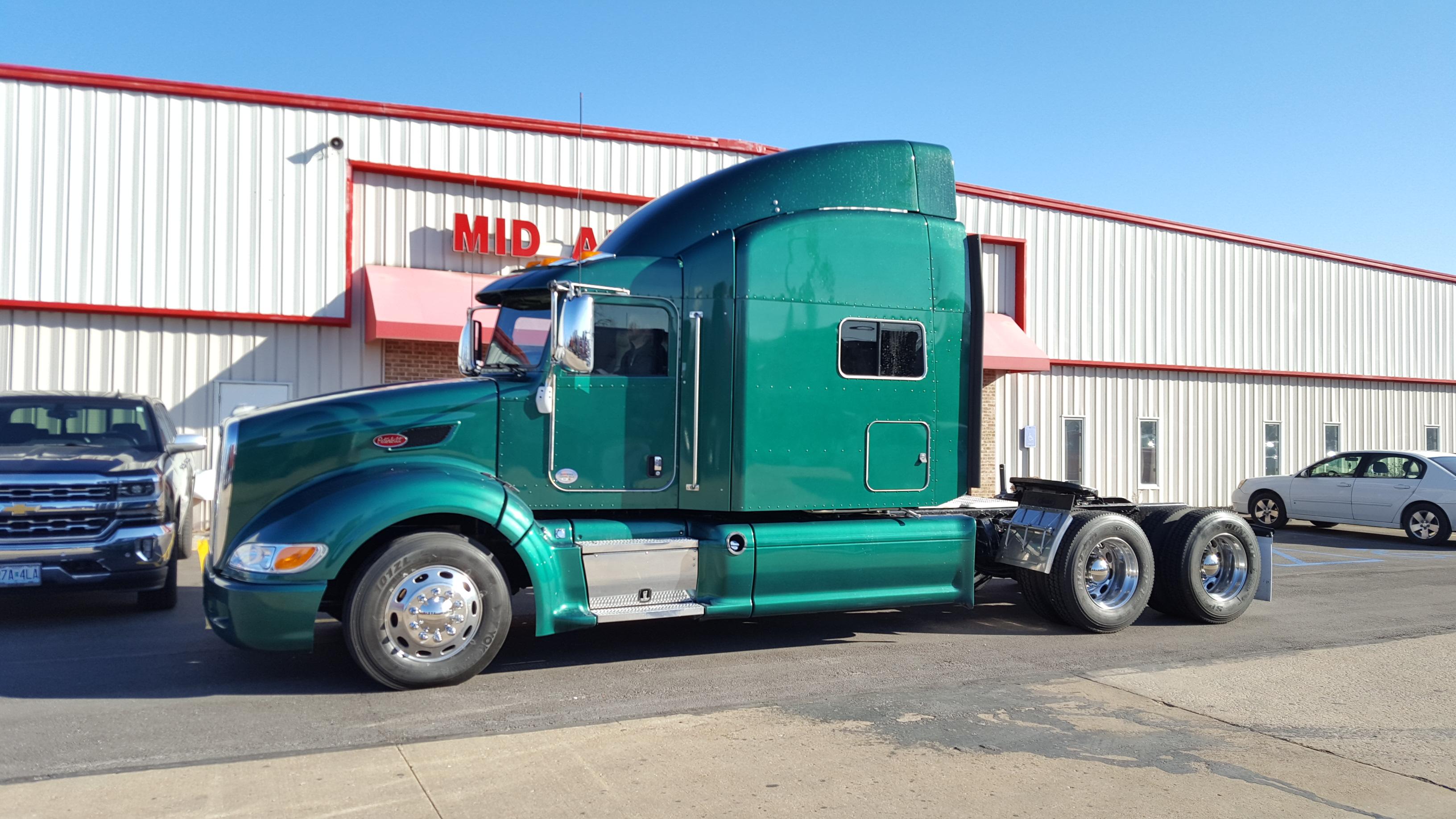 Peterbilt Commercial Truck Search | TLG
