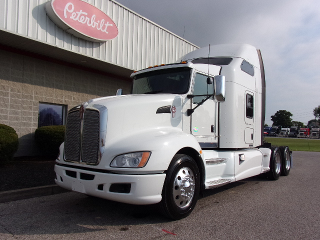 Peterbilt Commercial Truck Search | TLG