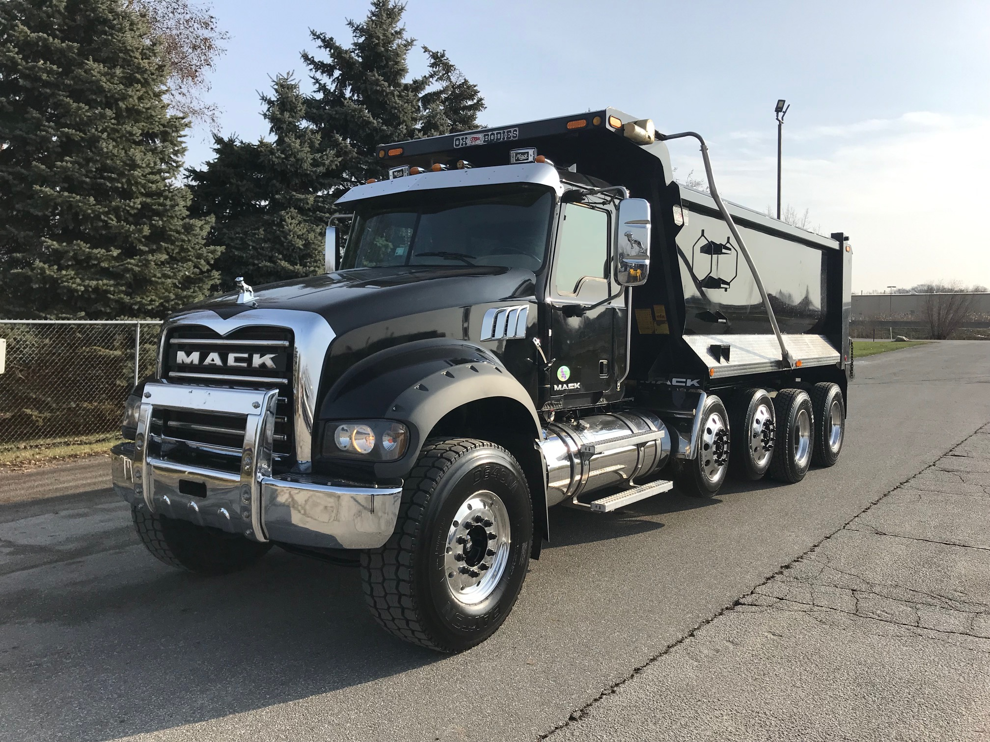 2016 MACK TRUCKS GU713 NONE