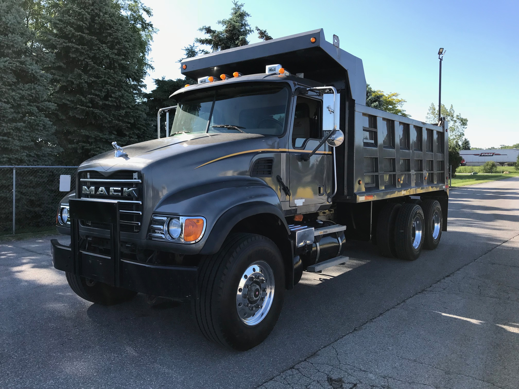 2006 MACK TRUCKS GRANITE NONE